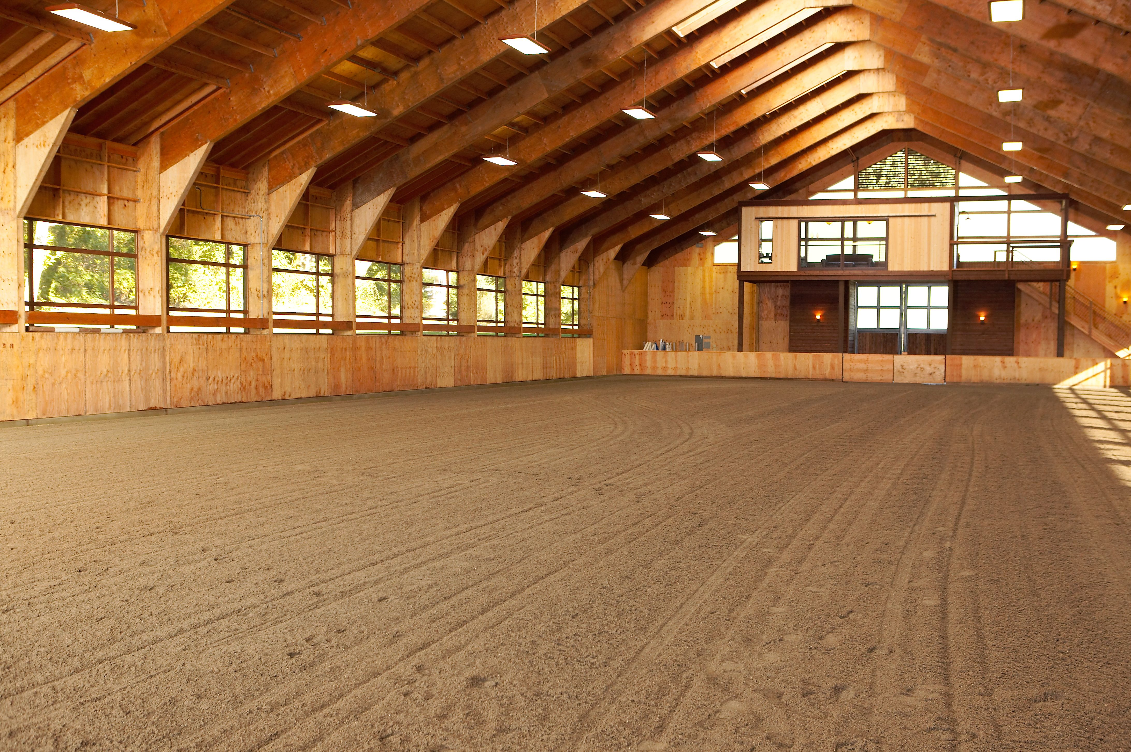 What A Gorgeous Stable I Wouldnt Even Want To Bring My Horse In It Looks So Clean